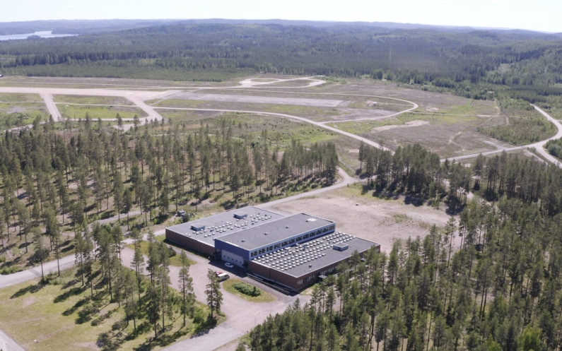 CSI has during the last years been on a reasonable growth track and acquired 8'000m2 facility with land area located near airfield in city of Jämsä.